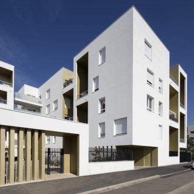 Les Jardins de la Soie, Vaulx en Velin. Architectes : ExNDO Architecture + Okho Architecture. Maitre d'ouvrage : Cogedim