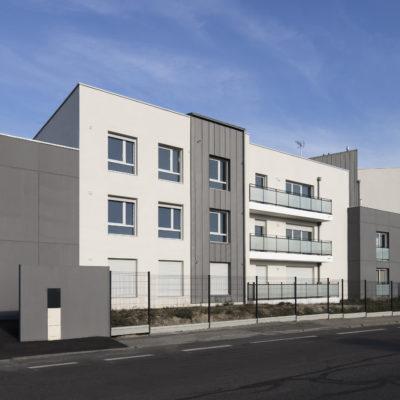 Résidence Les Alouettes, Saint Genis Laval. Maitre d'oeuvre : BBC Architectes & Associés / Maitre d'ouvrage : Alliade Habitat