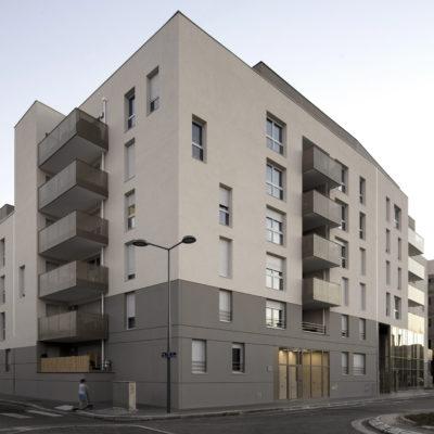 Résidence Par dessus les toits, Villeurbanne. Architectes : Atelier Didier Dalmas architectes associés / Maitre d'ouvrage : Cogedim Grand Lyon