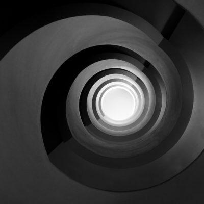 "Escalier ""Noir infini"""
